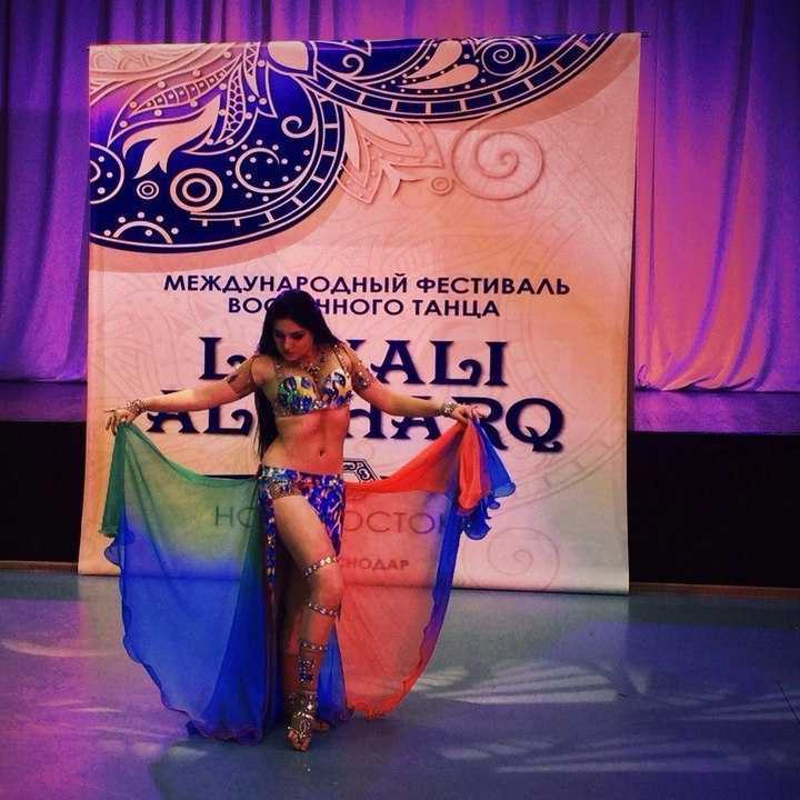 Картинка с тегом belly dance and dance